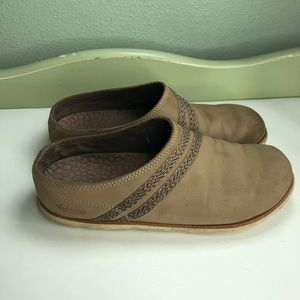 Chaco shoes slip ons Comfort women size 8 brown